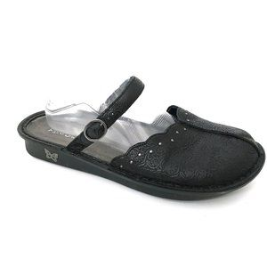 ALEGRIA Tuscany Black Embossed Slides